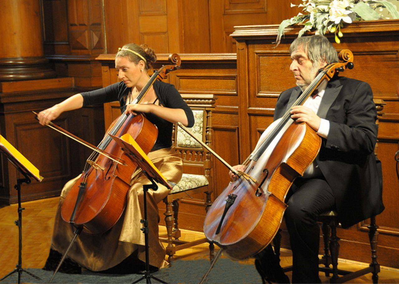 Židovská hudba pro dvě violoncella a klezmer 1